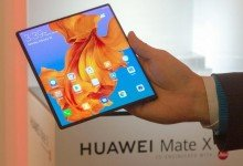 Das zu einem Tablet aufgeklappbare Smartphone Mate X von Huawei wurde am Rande der Messe Mobile World Congress vorgeführt. Foto: Andrej Sokolow